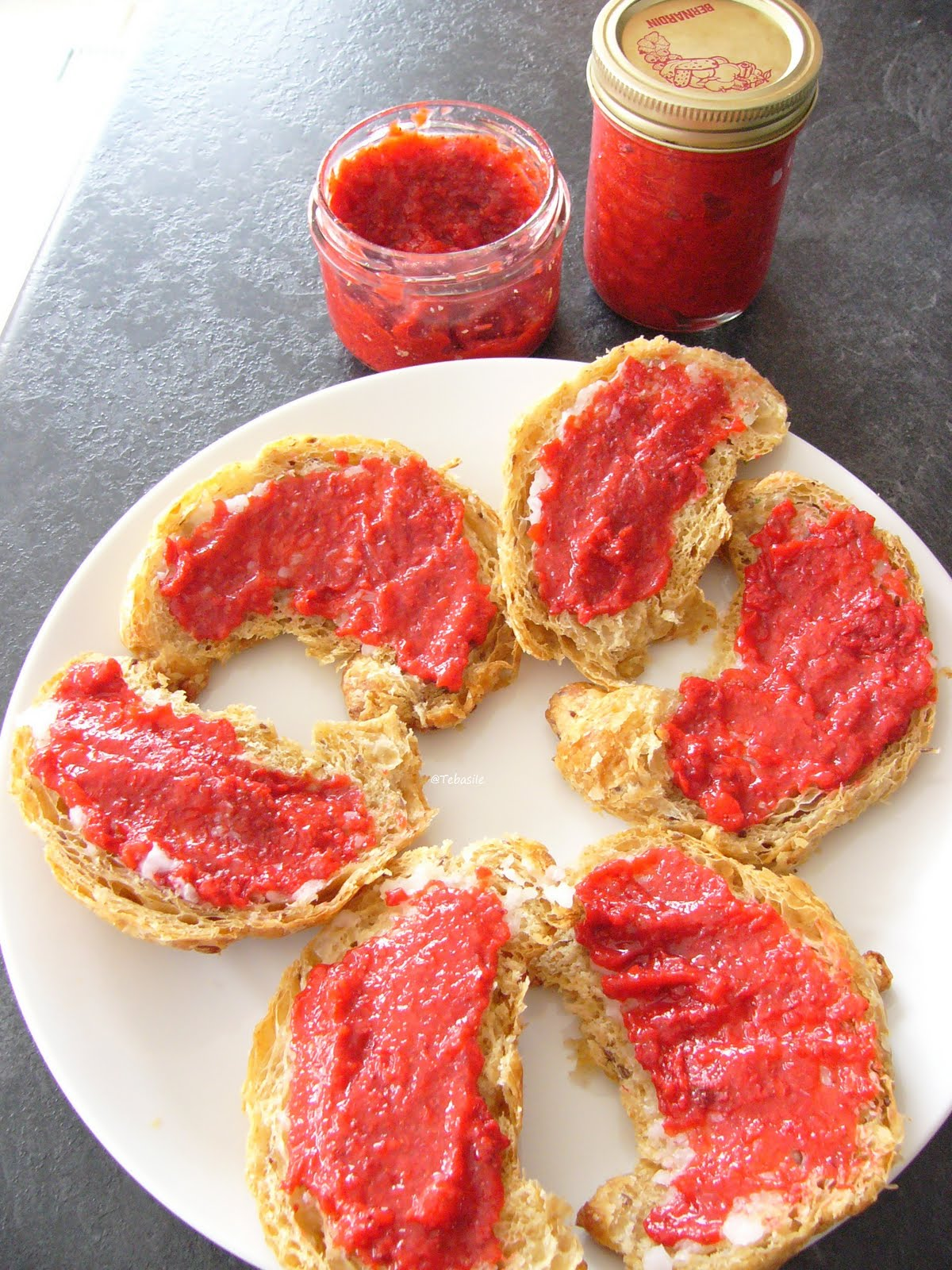 Tebasiles Kitchen: Dehydrated Strawberries / Jam