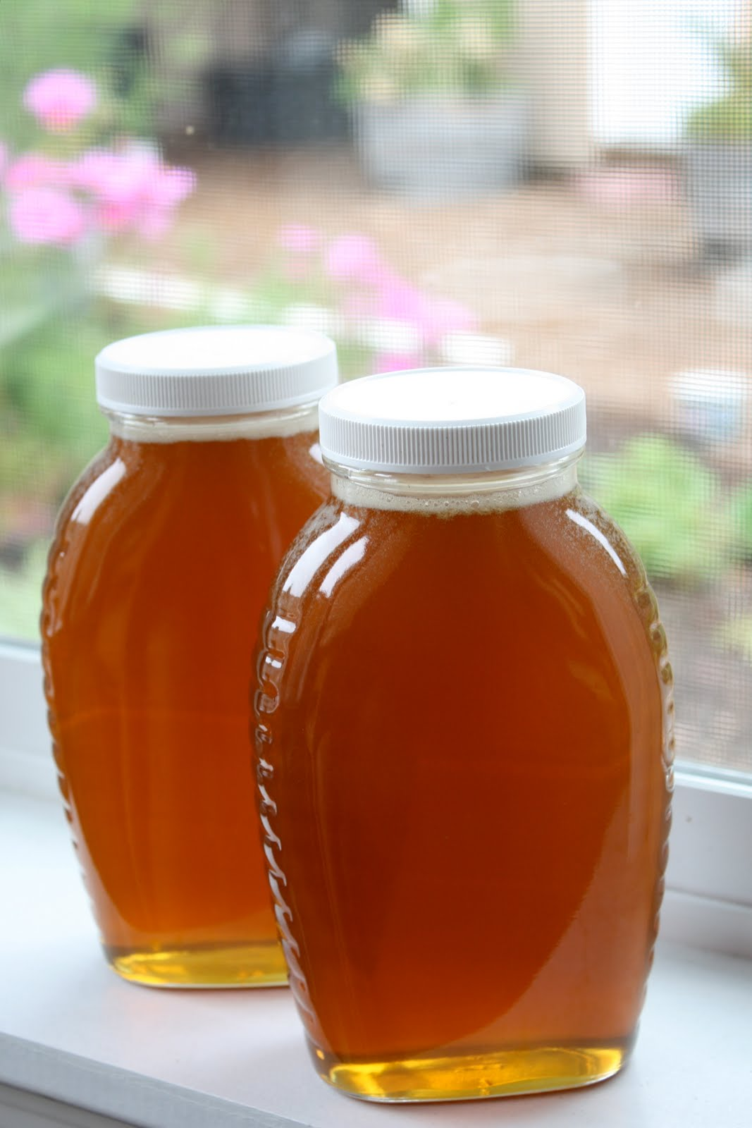Lick jar honey