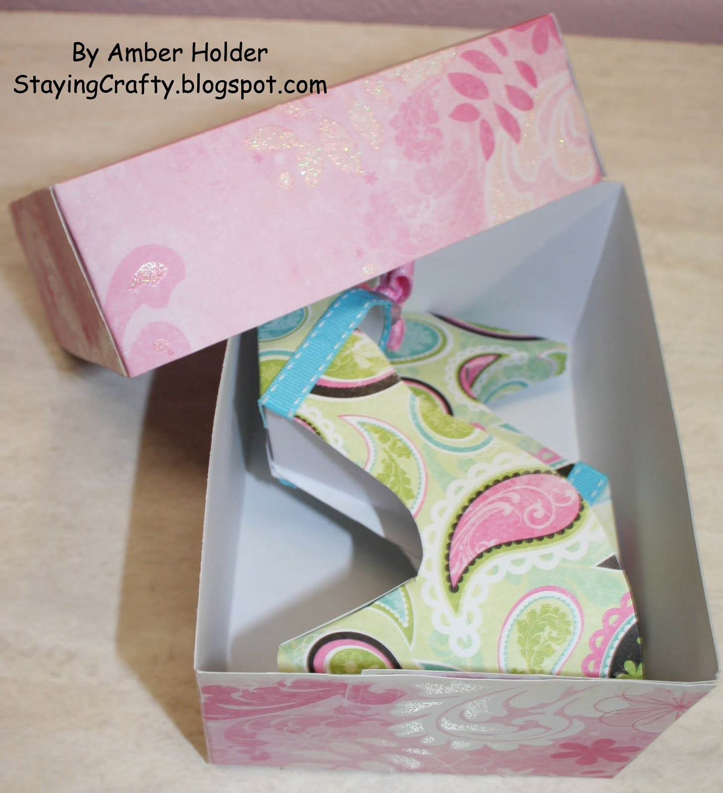 how to make paper shoes templates - staying crafty paper shoes more link to free template
