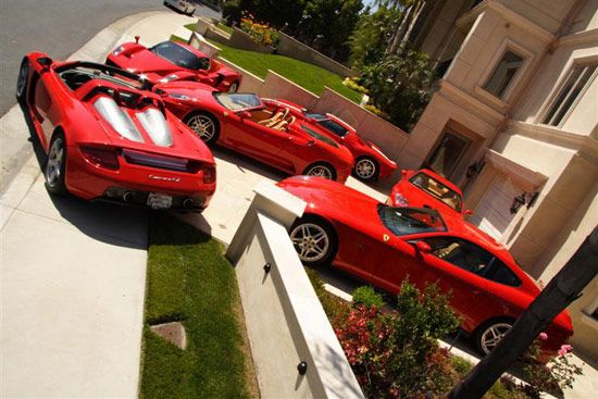 Quality Wallpaper House Of The Owner Of Ferrari Company In France