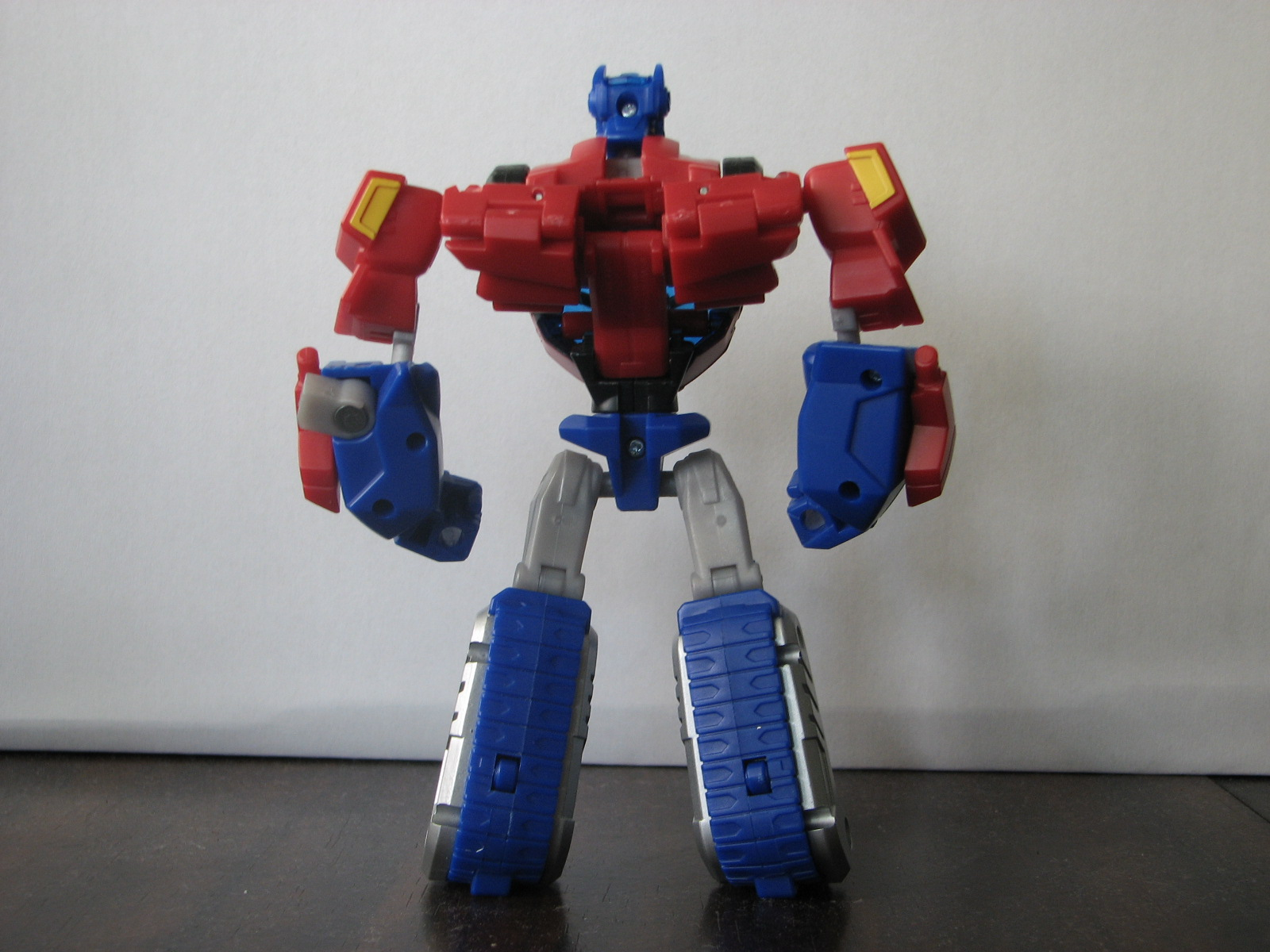 [Animated+Optimus+prime+back.JPG]