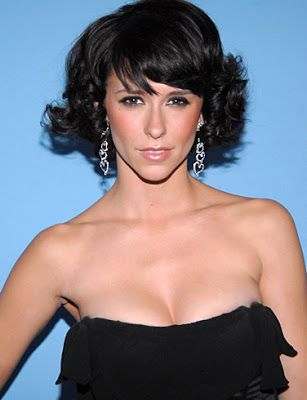 famous woman with brown hair and bangs photo 55827-3