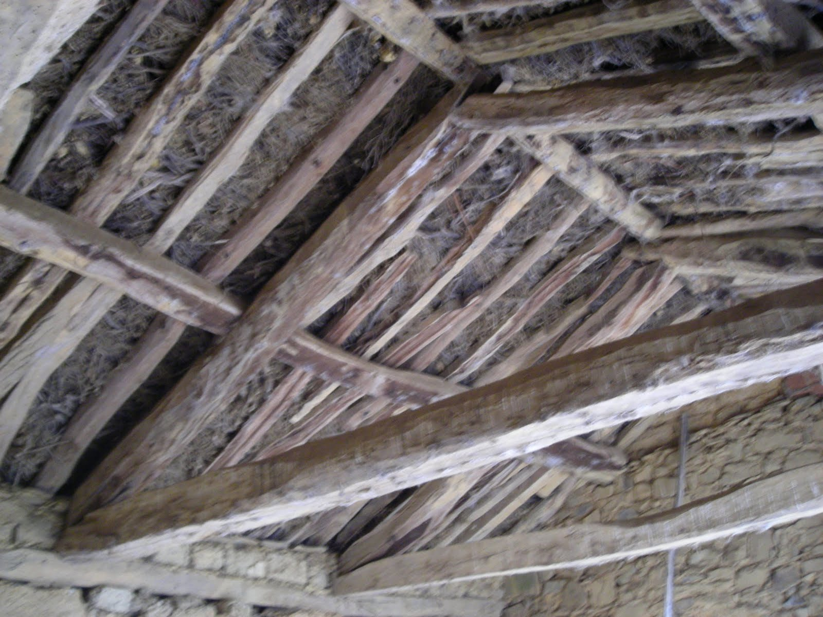 El ti joaqu n com los tejados de ripia y teja rabe for Tejados de madera antiguos