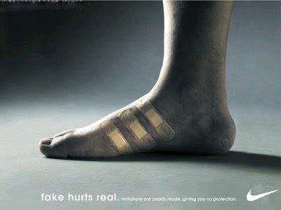 Aqui, colocando o símbolo da nike, concorrente direta da Adidas, nos ...