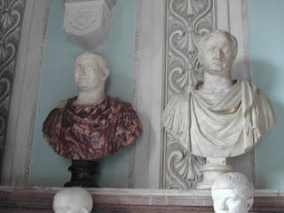 Busto de Vespasiano (izquierda) junto al de Tito (Museo Capitolino, Roma)