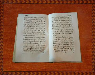 Páginas de la Ortographia de la RAE de 1741 referentes a los interrogantes y las admiraciones