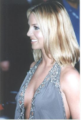brintey spears cleavage clearly seen here
