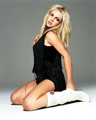 bitney spears picture sitting pose