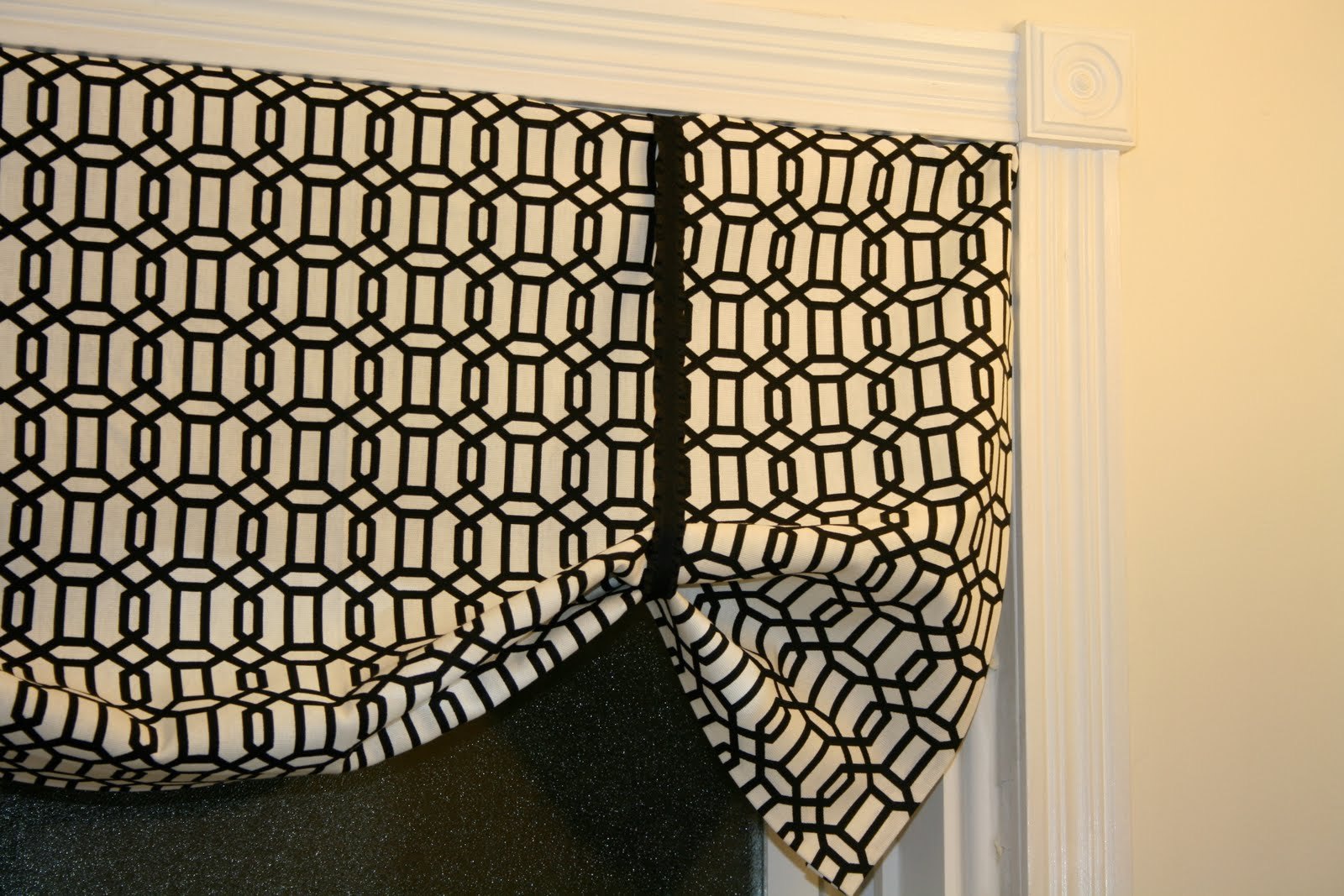 little and lovely super easy no sew curtains valance. Black Bedroom Furniture Sets. Home Design Ideas