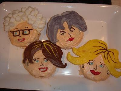 https://i0.wp.com/1.bp.blogspot.com/_rsEO3VGRUPw/SkEShO4Zf4I/AAAAAAAAAHc/5kJajFY7QXk/s400/Golden+Girls+cakes.jpg