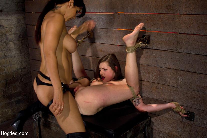 порно в замке с рабами она