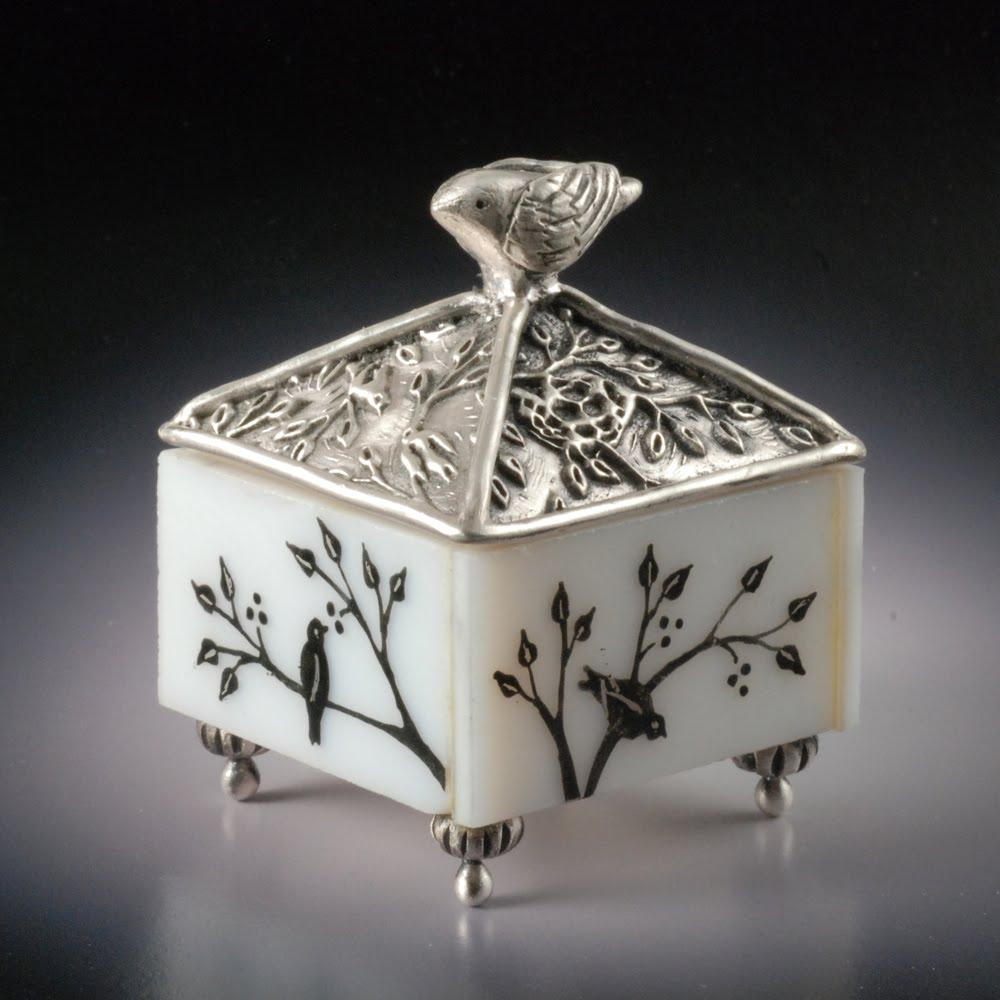 Magic Hinge Box - 4mm. Metal Clay Discount Supply   Metal Clay Boxes