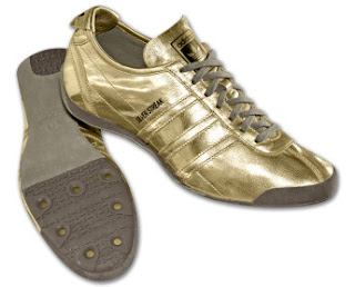 Adidas spor ayakkab� ve �antalar