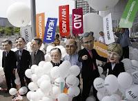 'Cabezones' de Oxfam Internacional en Toyako, Japón, durante la Cumbre del G8 estos días