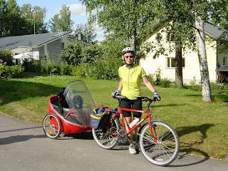 Mira ja Niki pyöräretkellä