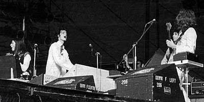El primer concierto de la Steve Hillage Band con Basil Brooks en sus filas
