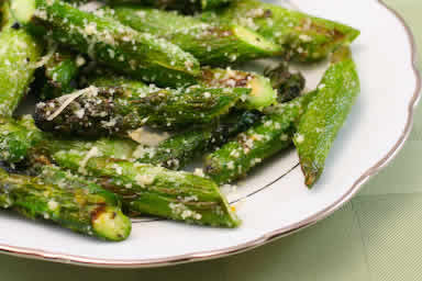 Original photo Grilled Asparagus with Parmesan (Low-Carb, Gluten-Free) found on KalynsKitchen.com