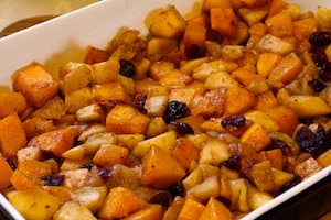 Low-Sugar Pumpkin and Apple Crumble found on KalynsKitchen.com