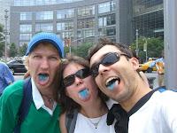 Depois de comer um doce de blueberry - After eating some blueberry candy