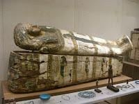 Sarcófago, na ala de cultura egípcia - Sarcophagus at the Egyptian culture gallery