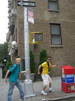 Zueira pelas ruas - Joking around