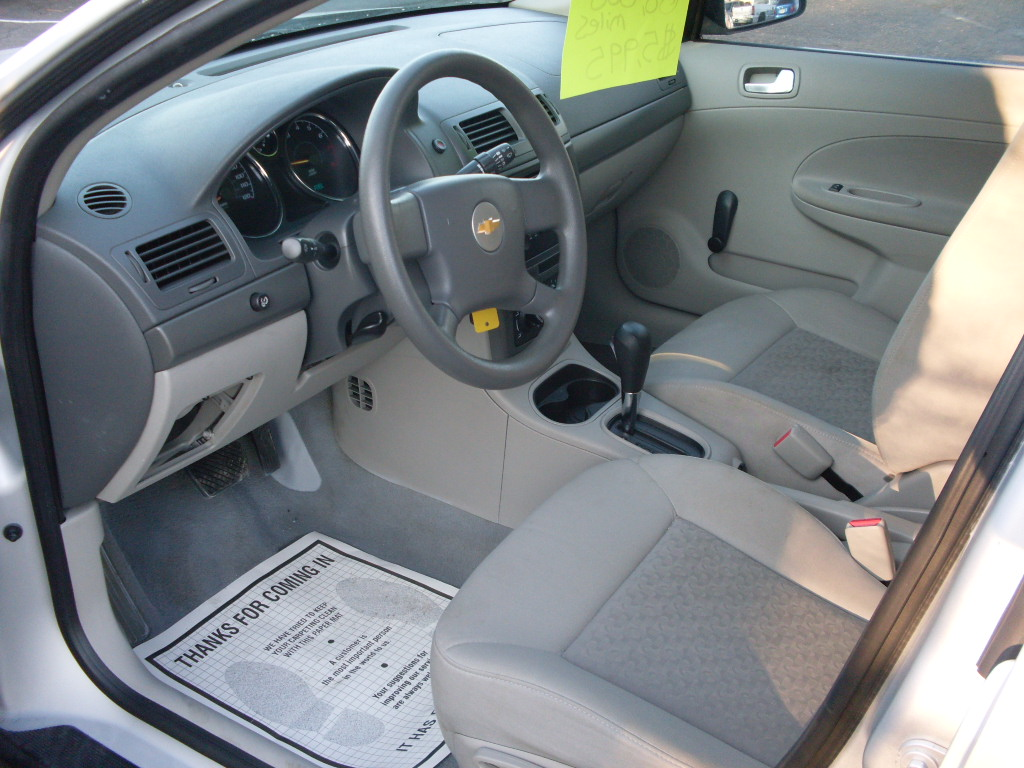 Ride Auto: 2005 Chevrolet Cobalt LS