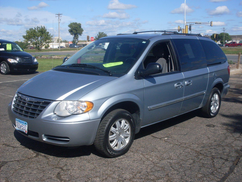 ride auto 2006 chrysler town country. Black Bedroom Furniture Sets. Home Design Ideas