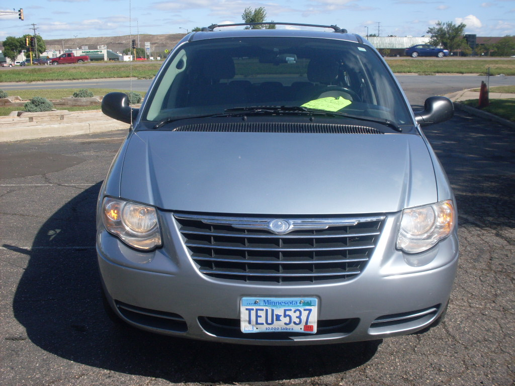 Chrysler Town And Country Blue