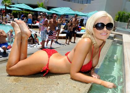 Holly Madison 4 Holly Madison Shocked By Weight Loss Demands x
