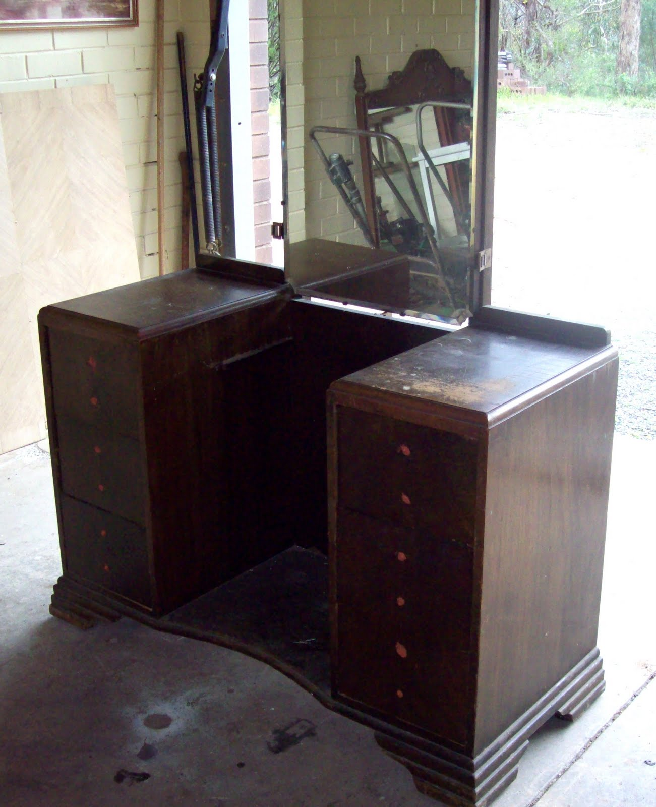 I Think It S Probably Fair To Say This Old Deco Dressing Table Wasn T Gonna Protest About Getting A Bit Of Facelift Came Me For The Bargain Price