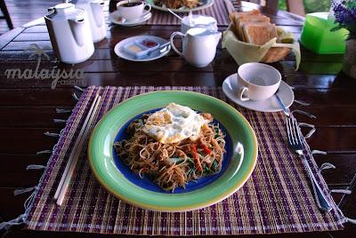 Fried noodles Sabah style