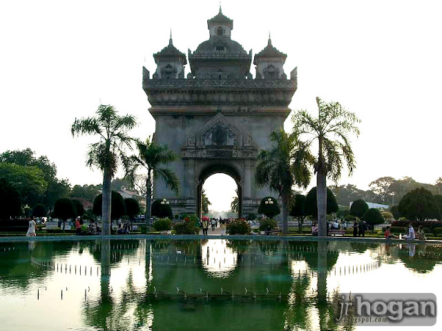 Vientiane Patuxay Arch
