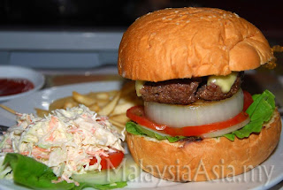 Burger at Halong Bay