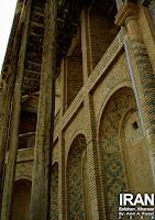 ورودی ی حسینیه حبیبی