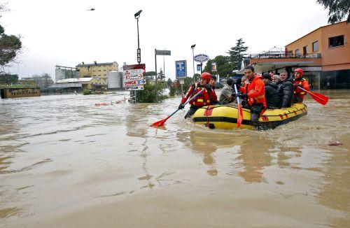 crue du tibre, rome, rome en images, italie