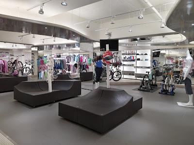 Clothing store interior decorating design ideas fashion clothing store