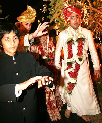 Riddhima Kapoor Daughter Of Rishi Neetu Singh And Sister Acotr Ranbir Married Delhi Baased Garment Exporter Bharat Sawhney On