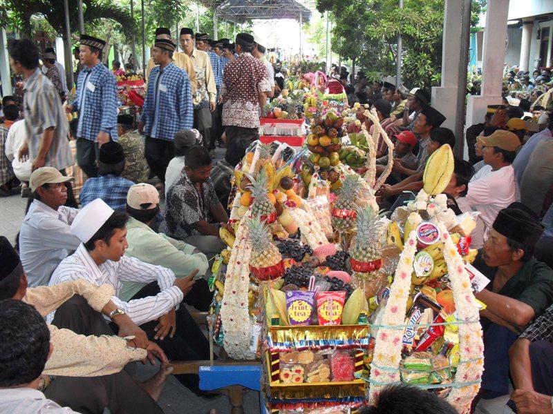 Contoh Asimilasi Kebudayaan Islam Uinatoh