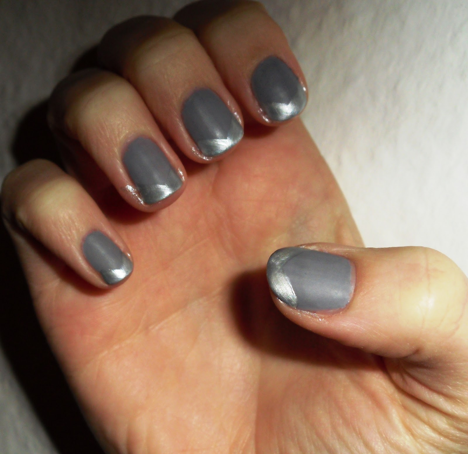 Lindchens World: [Nageldesign] silver grey