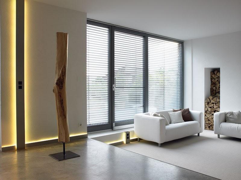 malassise communication goulotte et plinthe lectrique. Black Bedroom Furniture Sets. Home Design Ideas