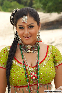 Jaganmohini Namitha Hot Sexy Photo Gallery