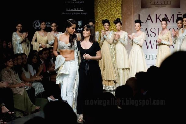 sameera reddy lakme fashion week 2009