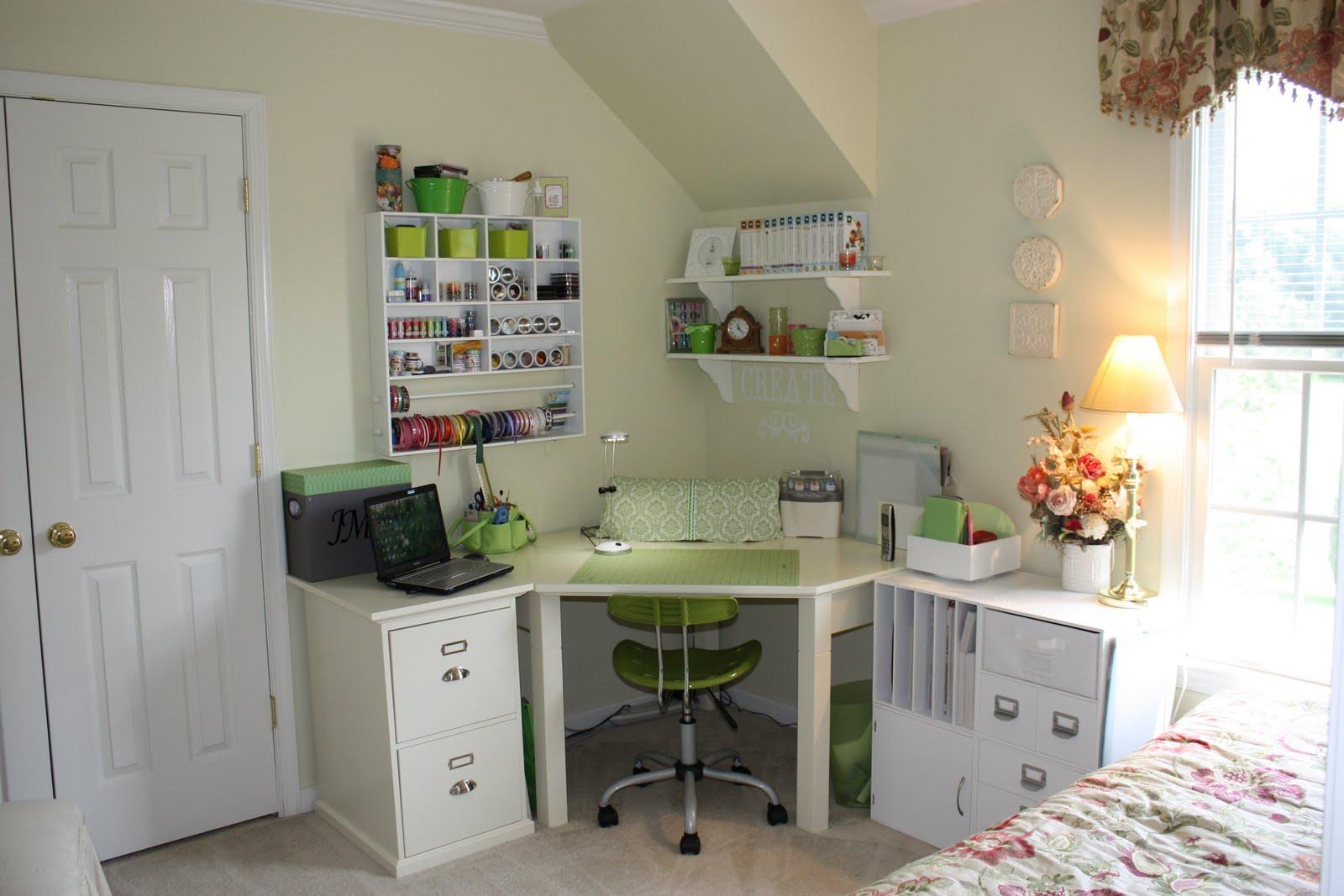 Cricket Craft Room: A Techy Teacher With A Cricut: My Craft Room