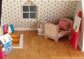 Club little house june beach dollhouse adventures for Young house love dollhouse