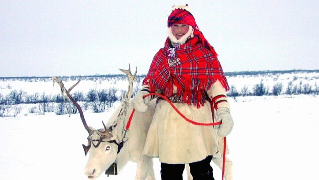 [martha+louise+reindeer.jpg]