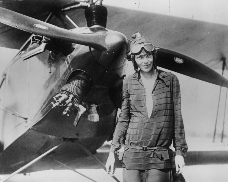 Wazza's Place: Amelia Earhart - First Woman To Fly Around The World