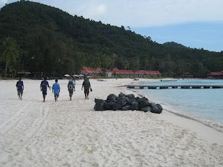 trash day redang island