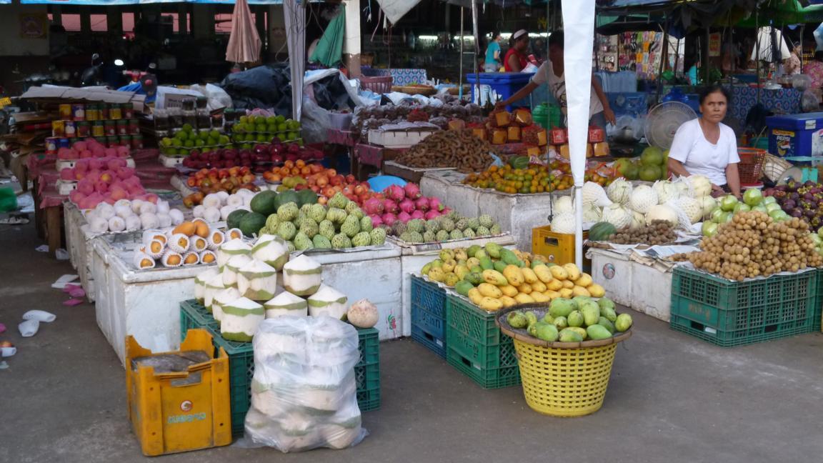 Chợ Viềng: JORDI AROUND THE WORLD: LAOS