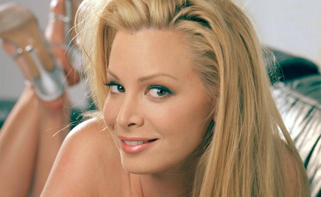 Cindy Margolis Nude Pic 119