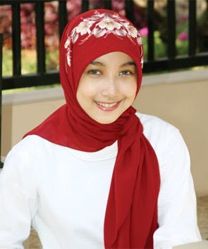 Red and Hearth Model Jilbab Muslim Fsahion